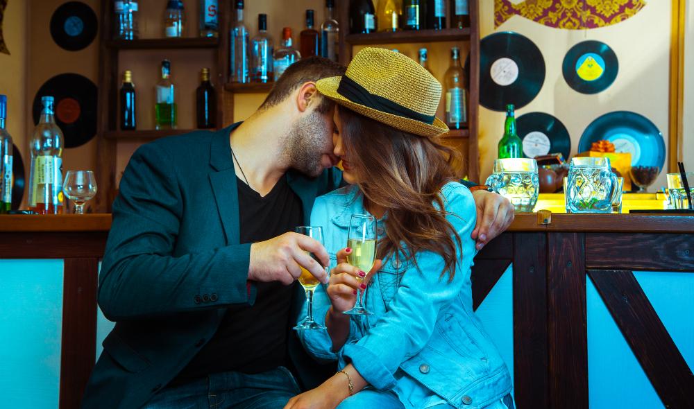 Como seduzir com coquetismo? Veja estas 8 dicas infalíveis!