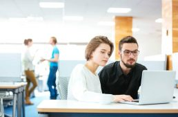 7 dicas matadoras sobre como conquistar um colega de trabalho